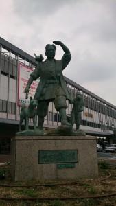 桃太郎銅像